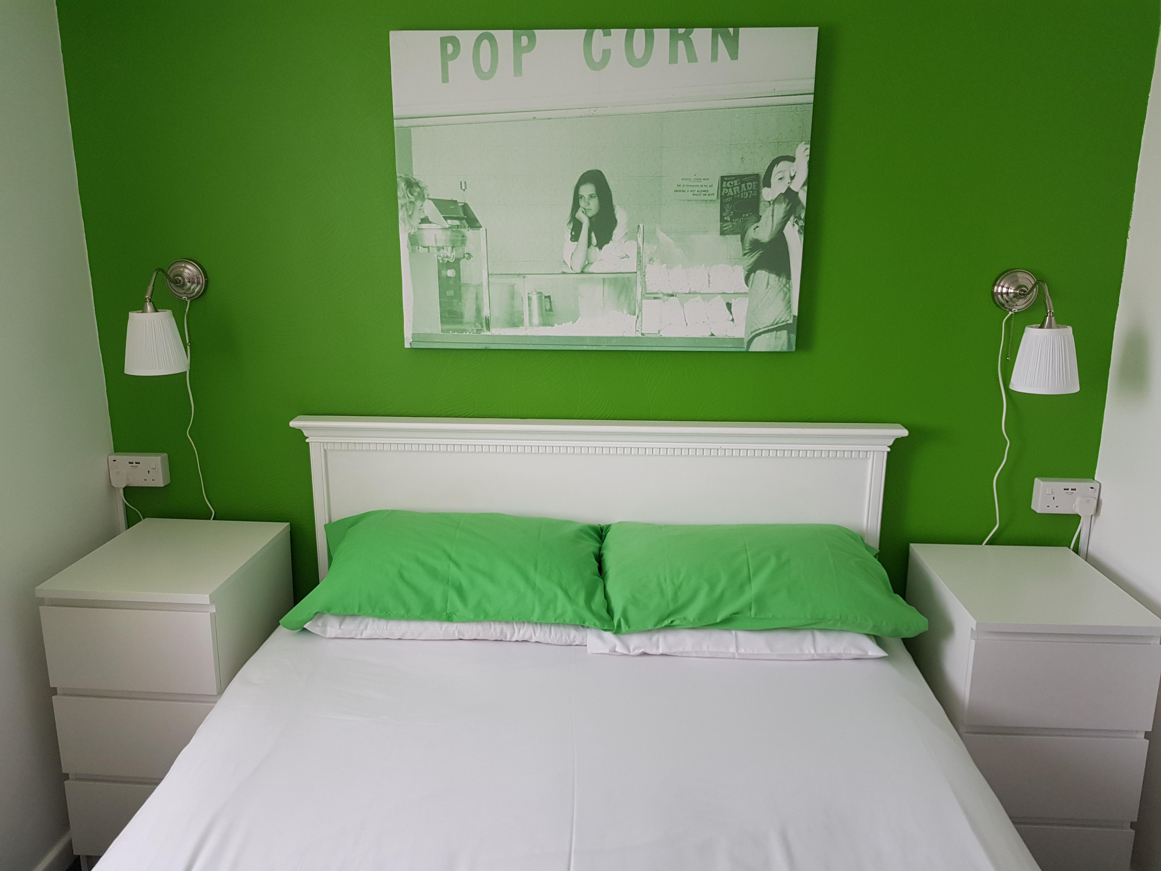 Double room-Ensuite- Light Breakfast Included - Base Rate