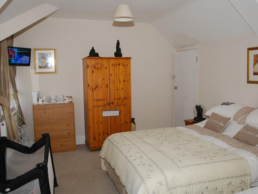 Family-Ensuite-Double and Single Beds