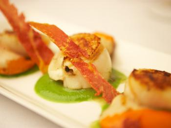 King Scallops with Pea Puree & Crisped Parma Ham