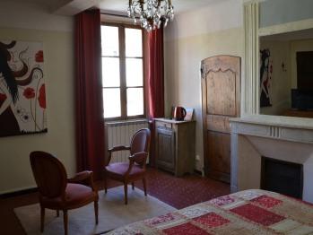 Quadruple-Suite-Salle de bain et douche-Vue ville-La Romance