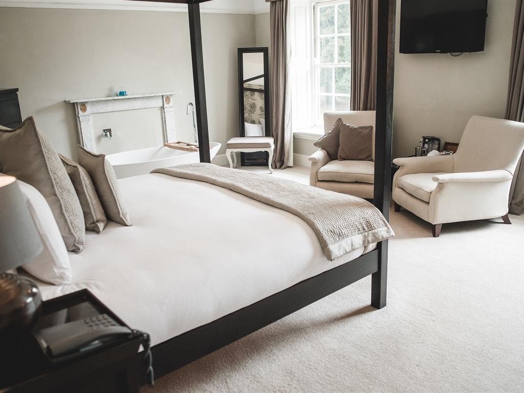 Suite-Luxury-Ensuite-Samphire
