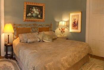 Lucretia - King bed