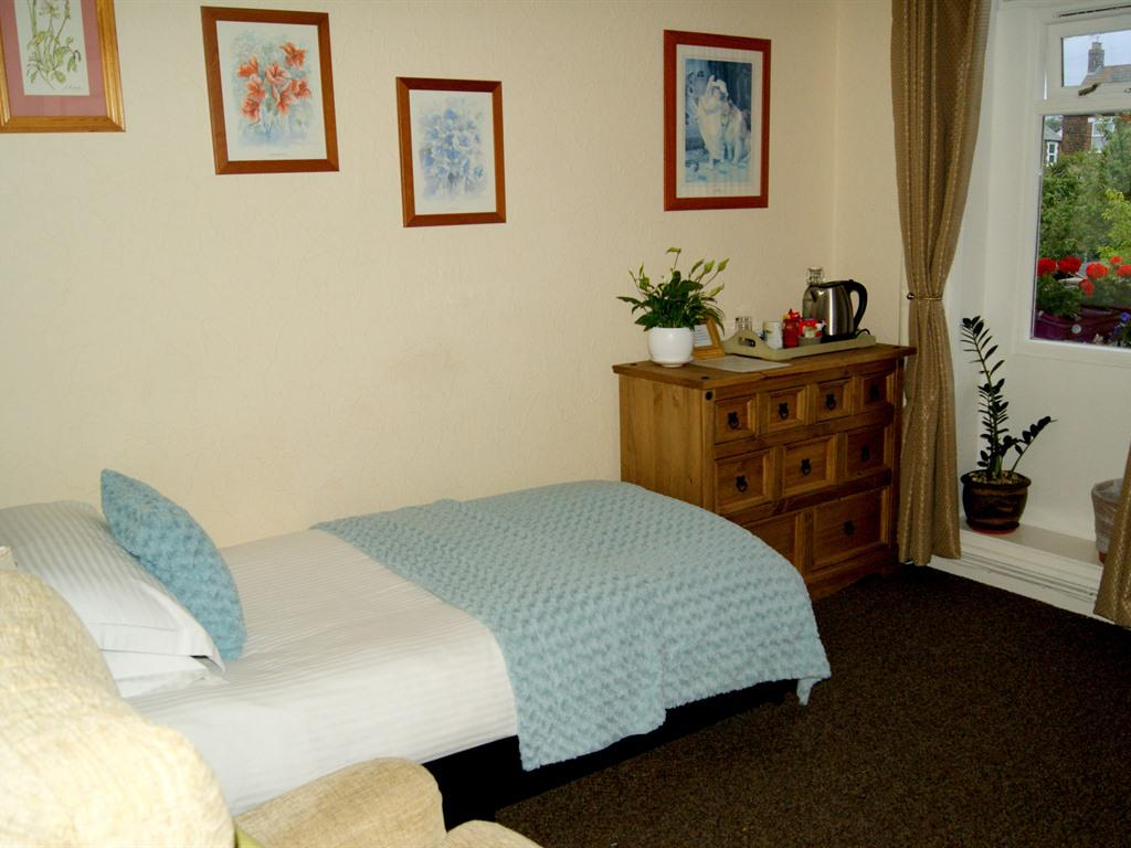 Single room-Ensuite with Shower-Non Sea View - 1st Floor