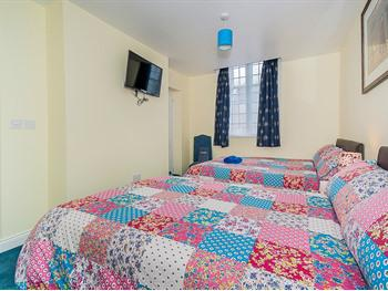 Twin room-Standard-Ensuite - ROOM ONLY