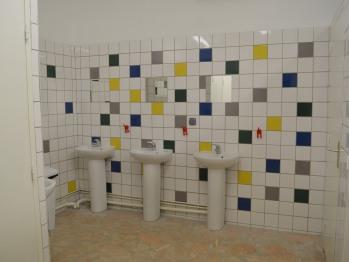 Intérieur bloc sanitaire