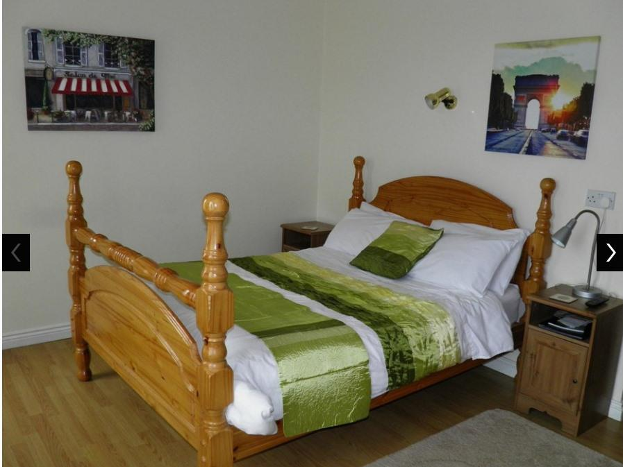 Double room-Standard-Ensuite with Shower-Street View-first floor