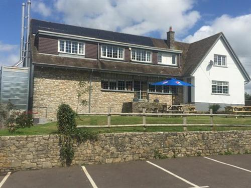 The 3 Horseshoes Country Inn