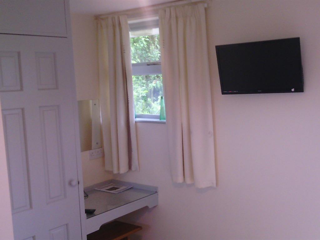 Twin room-Standard-Ensuite-Garden View
