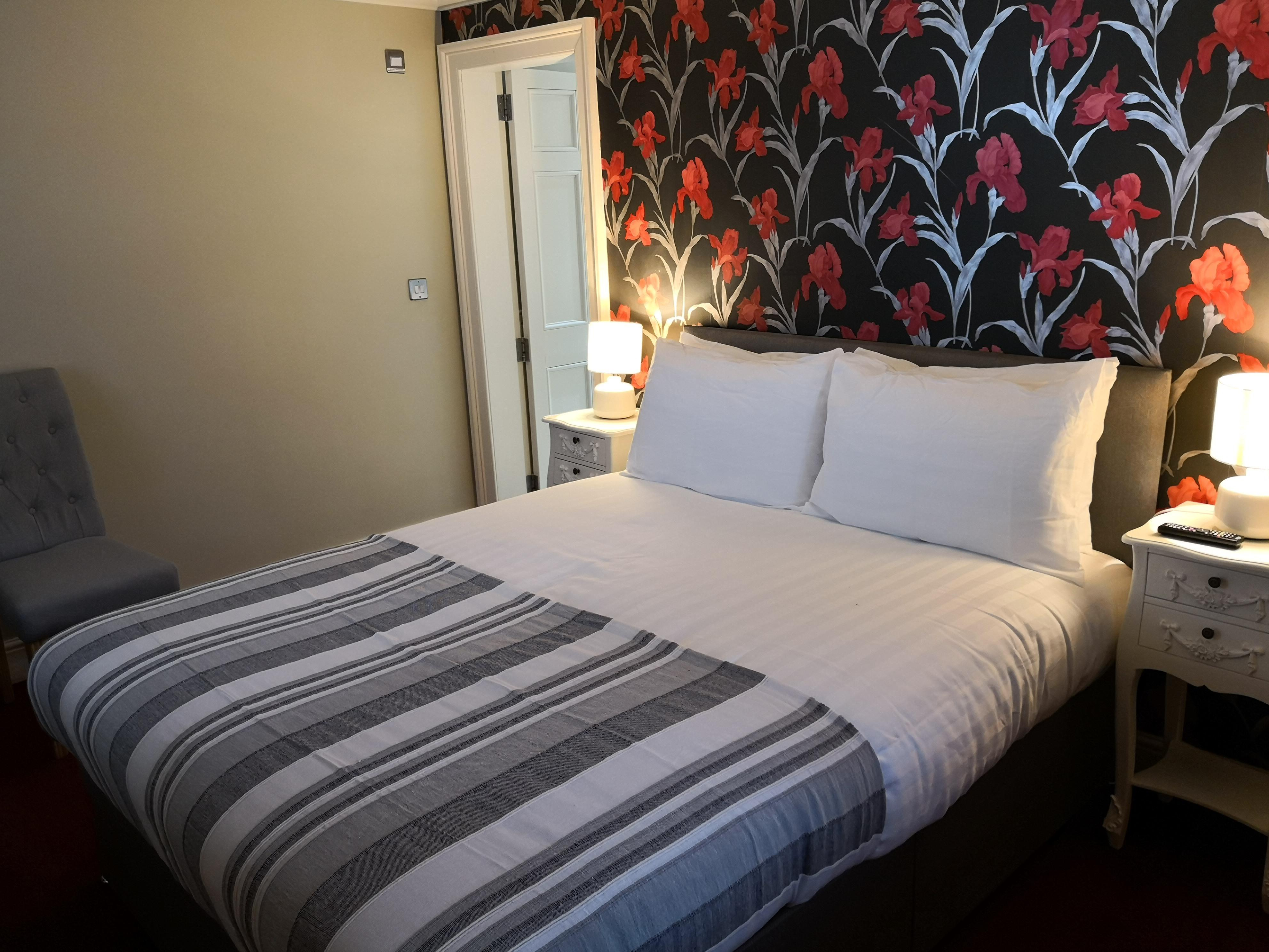 Double or Twin-Room-Deluxe-Ensuite - Base Rate