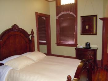 Single room-Private Bathroom-Deluxe-Front Room - 301