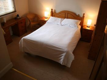 Double room-Ensuite-Bath only