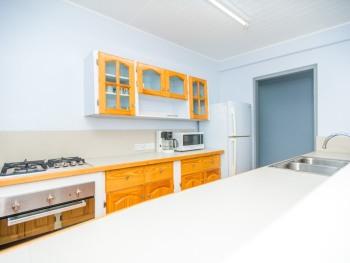 Two Bedroom Deluxe-Kitchen