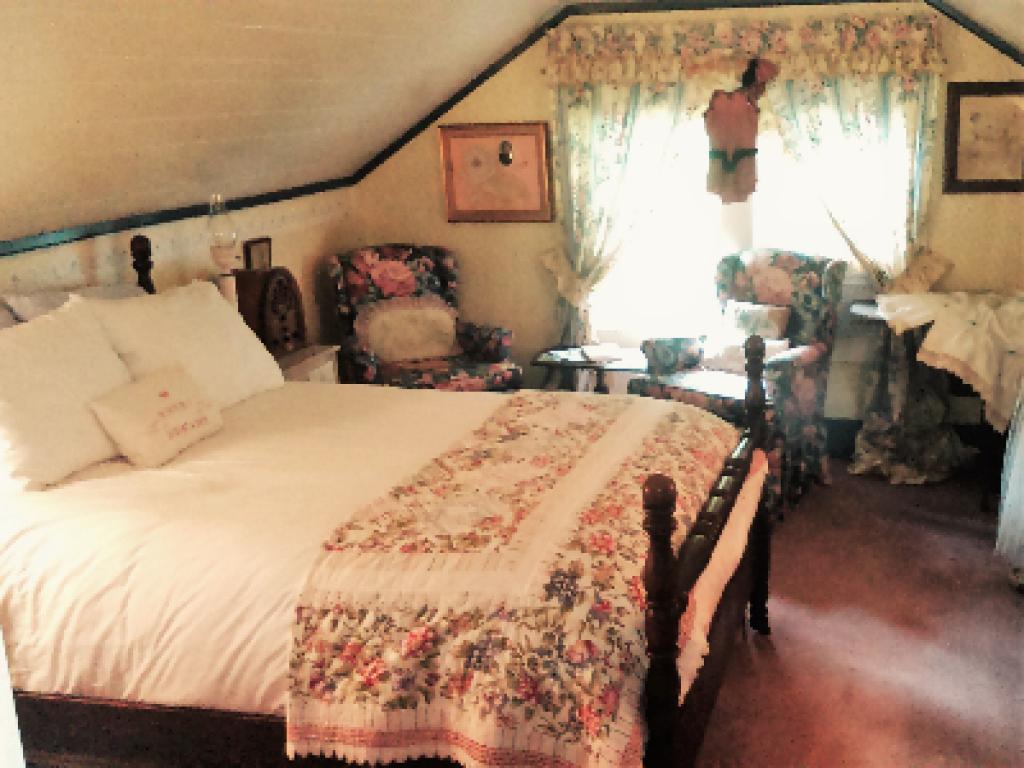 Attic Room-Double room-Ensuite-Superior