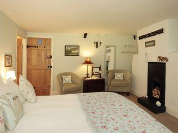 Double room-Superior-Ensuite-Medland - Base Rate