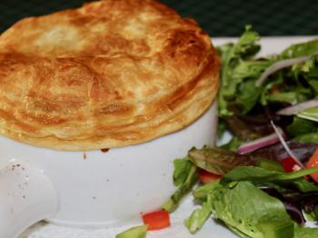 Popular Steak and Guinness Pie