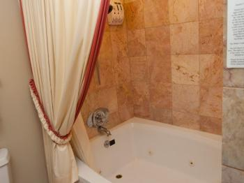 Glenwood Bathtub and Shower
