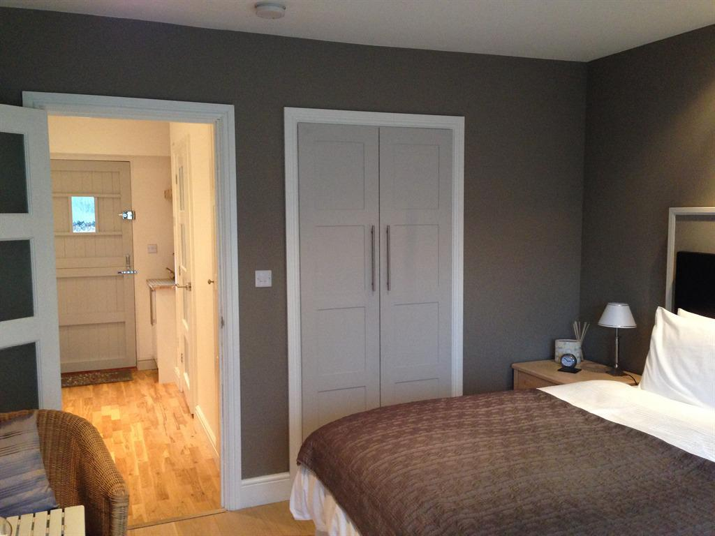 Room 4 - The Dog House - Kingsize or Twin Beds