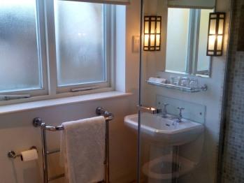 Classic Courtyard Bathroom