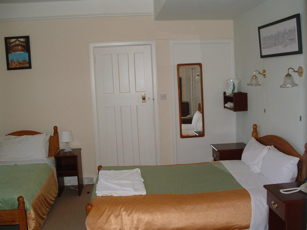 Family en-suite room-3 only