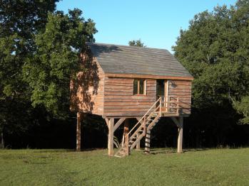 Cabane-Famille-Salle de bain et douche-Vue sur la campagne-Cabane perchée