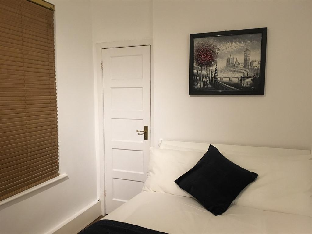 Bright Garden View Apartment Brixton