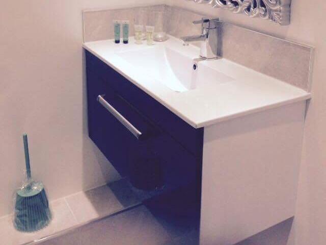 Cottage-Cottage-Private Bathroom