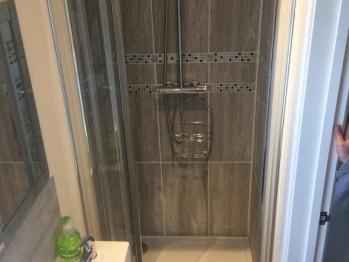 Guest room En-Suite shower & wc