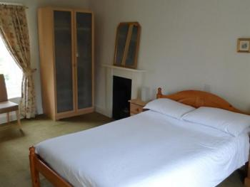Double room-Ensuite with Shower-over Bar