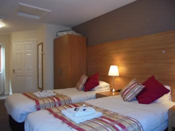 Lodge room Twin