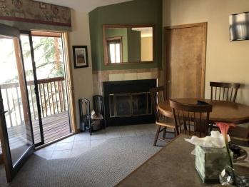 Quad room-Ensuite-Comfort-Kitchenette Suite - Upper