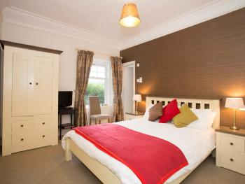 Double room-Superior-Ensuite with Shower-Garden View-MORVEN