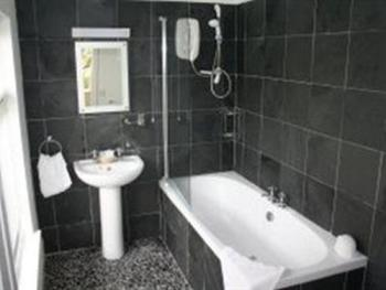 Family-Ensuite-2 Adults & 1 Child