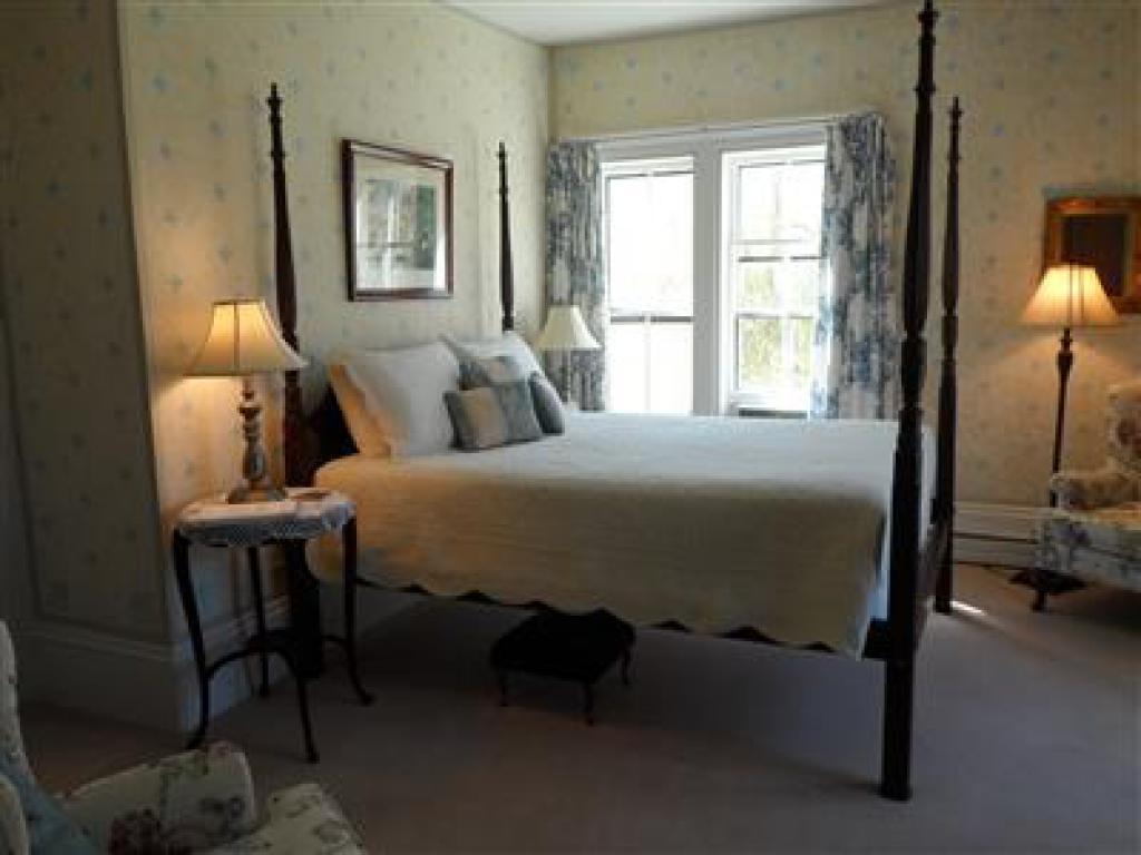 Double room-Ensuite-Queen-Street View-Room 2