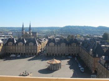 vue du beffroi : la place ducale