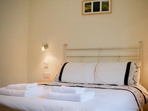 Double Room, with on-suite bath and separate shower cubicle.  (Room 2)