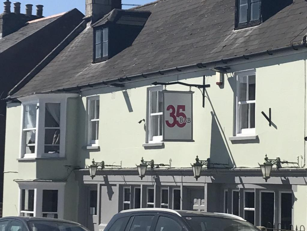 Thirtyfive B&B