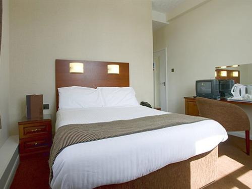 Double room-Deluxe-Ensuite-with Bath & shower - Base Rate