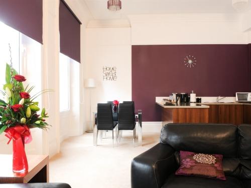One Double Bedroom Apartment