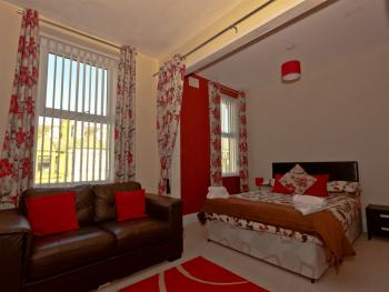 Family room-Deluxe-Ensuite with Shower-2nd Floor