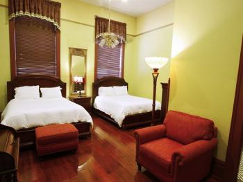 Single room-Private Bathroom-Deluxe-Double Bed - Room 100