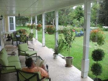 Hillsdale House Inn - Porch