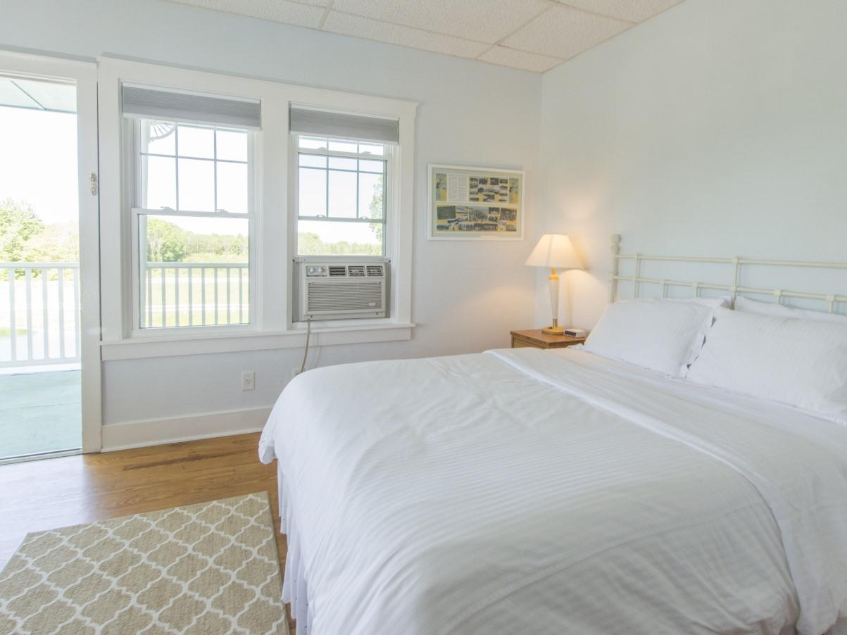 Beach House 1st Dual Bath-Suite-Private Bathroom-Suite