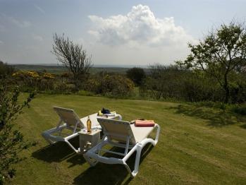 Garden Cottage private garden - overlooking the sea