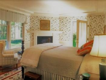Queen-Ensuite-Superior-Countryside view-Carriage House 4