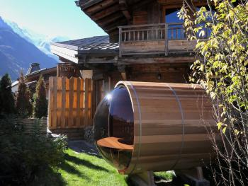 Sauna with a view of the Mont-Blanc chain