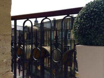 3 balcons expo sud donnant sur pièce à vivre