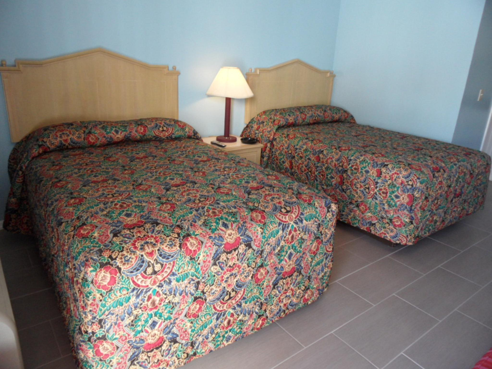 Deluxe-Double room-Efficiency  Room-Private Bathroom