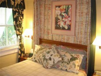 English Colonial-Double room-Ensuite-Standard-City View