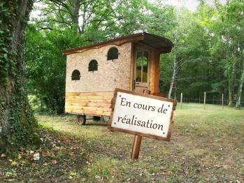 Roulotte-Communicante-Salle de bain et douche-Vue sur la campagne-Nomade