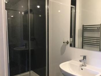 Double room-Deluxe-Ensuite with Shower-Street View
